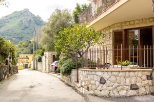 Sara's House, Apartments  Taormina - big - 6