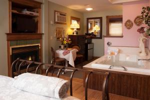 Westby House Inn, Bed and breakfasts  Westby - big - 4