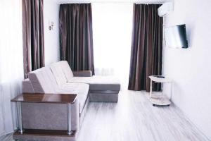 Apartment on Nakhimova Avenue 103