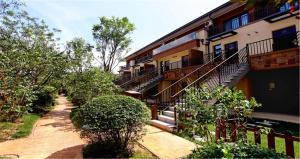 The Modern Holiday Villa Beijing Gubeikou Branch, Apartments  Miyun - big - 1