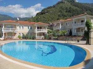 Thera Homes 13, Apartments  Oludeniz - big - 2