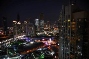 Downtown Apartments with Fountain and Burj Khalifa View - Dubai