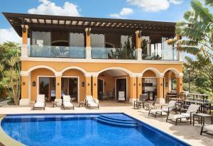 La Villa Herradura