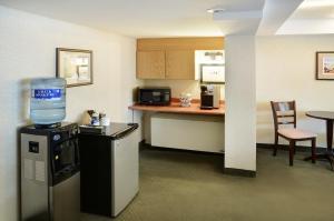 Greenwood Inn & Suites