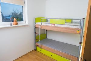 Studio Apartment Yellow - фото 16