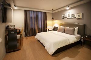 Eobang Brown Dot Hotel