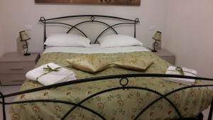 Tuttoincentro, Bed & Breakfast  Salerno - big - 96