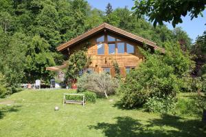 Holzhaus im Grünen B&B