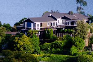 Ngamihi Lodge