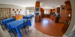 Fly Me To The Moon Guest House, Affittacamere  Mossel Bay - big - 27