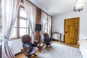 Casa Veche, Aparthotely  Brašov - big - 11