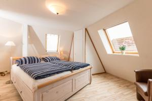 Kiebitz, Holiday homes  Nordholz - big - 5