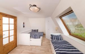 Kiebitz, Holiday homes  Nordholz - big - 6