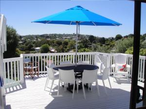 Kiwi House Waiheke, Bed & Breakfast  Oneroa - big - 33