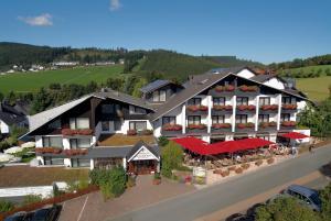 Sporthotel Zum Hohen Eimberg - Hotel - Willingen-Upland
