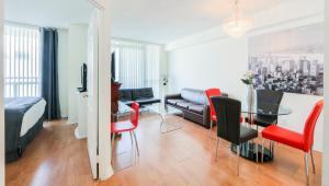 Canada Suites on Bay, Ferienwohnungen  Toronto - big - 13