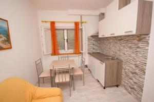 Apartments Mornar