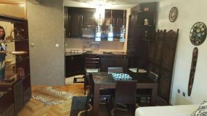 Miona Apartment, Апартаменты  Бар - big - 13
