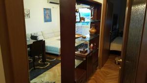 Miona Apartment, Апартаменты  Бар - big - 2