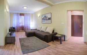 Four Seasons Apartment