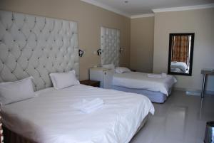 Hotel Galaxy, Отели  Ongwediva - big - 9