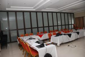 Hotel Galaxy, Отели  Ongwediva - big - 29
