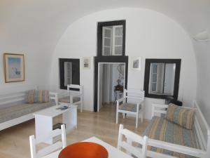 Nomikos Villas, Апарт-отели  Тира - big - 11