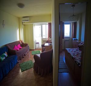 Apartament Piata Alba Iulia, Апартаменты  Бухарест - big - 11