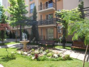 Sun & Sea Apartments, Apartments  Sunny Beach - big - 75