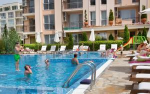 Sun & Sea Apartments, Apartments  Sunny Beach - big - 68