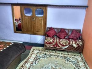Mountain View Budget Stay in Dharamkot, Homestays  Dharamshala - big - 2