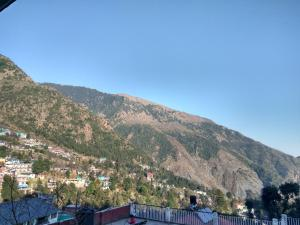 Cosy Budget Stay In Dharamkot, Homestays  Dharamshala - big - 16