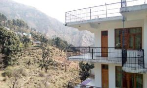 House in Dharamshala near Dalai's Abode, Priváty  Dharamshala - big - 3