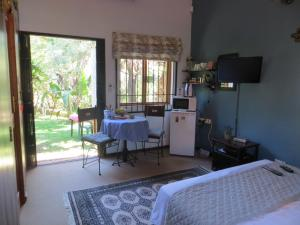 Phokoje Bed and Breakfast, Bed & Breakfast  Ramotswa - big - 18