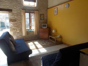 Le Petit Bijou, Bed & Breakfast  Saint-Fraigne - big - 54