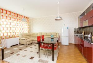 2 rooms Dostyk 5 Apatment, Apartmány  Astana - big - 11