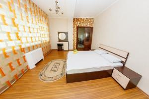 2 rooms Dostyk 5 Apatment, Apartments  Astana - big - 10