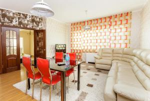 2 rooms Dostyk 5 Apatment, Apartmány  Astana - big - 6