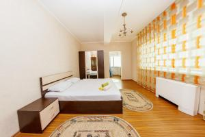 2 rooms Dostyk 5 Apatment, Apartments  Astana - big - 9