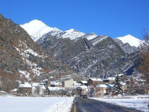 Apartaments Montaña