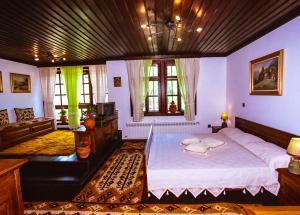 Sharlopova Boutique Guest House Sauna & Hot Tub