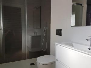 Luxury 3 bedroom 3 bathroom house, Playa Flamenca, Holiday homes  Playa Flamenca - big - 27
