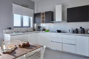 Elysium Hilltop Luxury Villa, Villas  Kato Galatas - big - 23