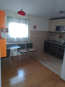 Apartment Mainski put, Apartmanok  Budva - big - 12