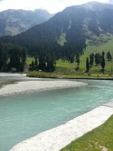 City Of Kashmir, Отели  Сринагар - big - 69