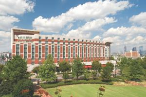 Отель «Embassy Suites Atlanta at Centennial Olympic Park», Атланта