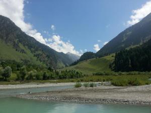 City Of Kashmir, Отели  Сринагар - big - 67