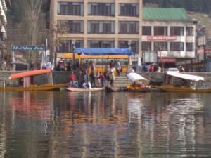 City Of Kashmir, Отели  Сринагар - big - 59