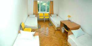 Yellow House Hostel