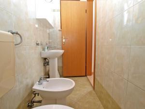 Apartment Nada 1202, Ferienwohnungen  Banjole - big - 17